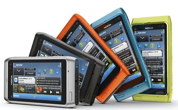 Внешний вид Nokia N8 в разном положении