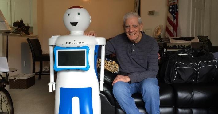Робот-сиделка для стариков